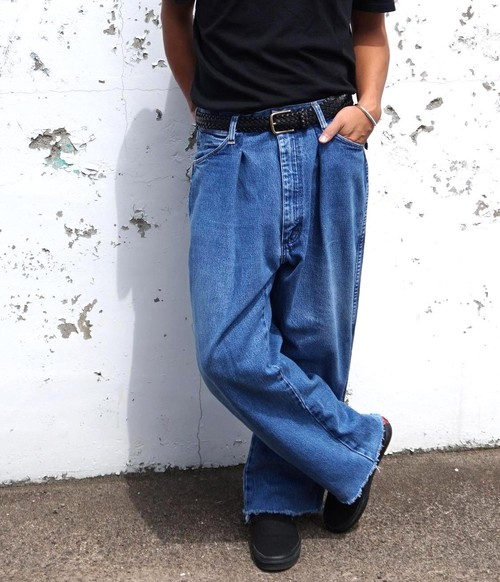 """WIDE TUCK JEANS"" 90's Wrangler size:W32"