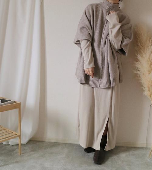 【beige】ニットポンチョ