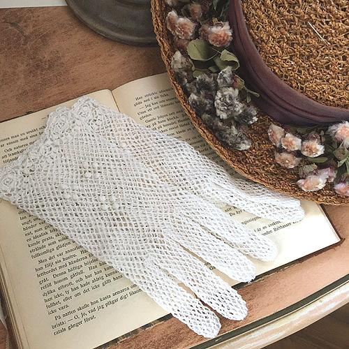 編みタイプのショートグローブ