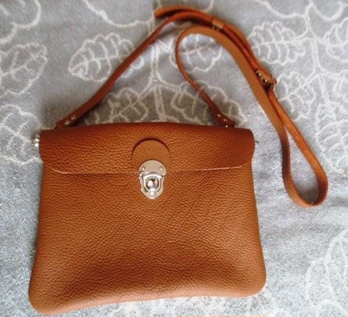 【新色キャメル】文庫本とお財布持ってちょっとお出かけバッグ(横型)
