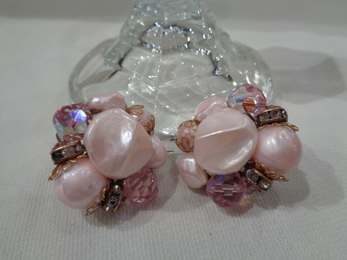 Pink beads earrings ピンク ビーズ イヤリング
