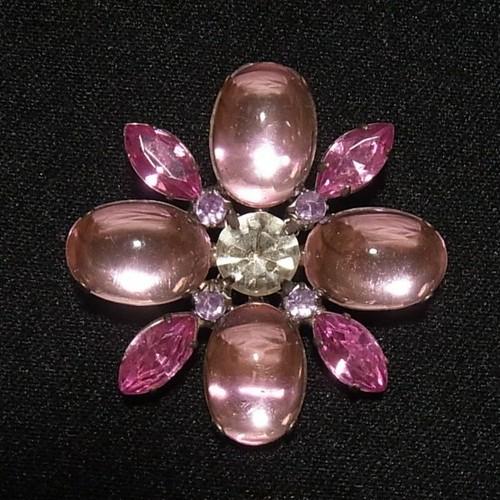 ピンクの花型ブローチ コスチュームジュエリー、セール品 4229B