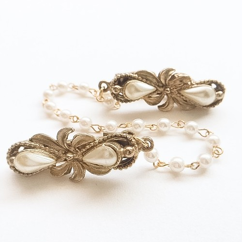 gold & pearl sweater clip[s-185]