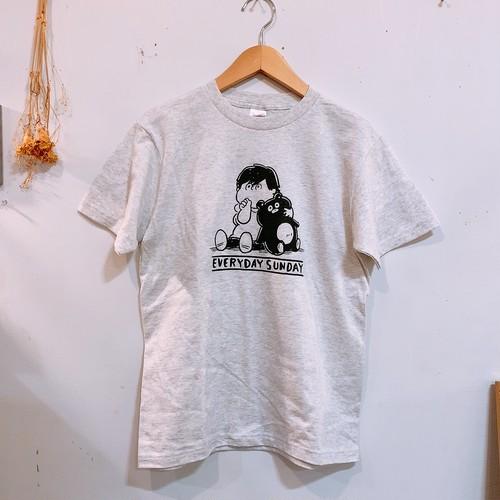 どこかでみたことあるテイストのTシャツ