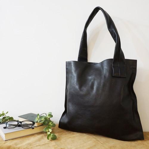 【牛革】クロスワンハンドルショルダーバッグ〈BLACK) ショルダーバッグ 軽い 本革 A4収納 ワンハンドルバッグ