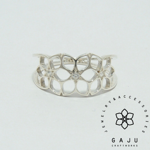 gajuvana Trinity ring (small・CZ)