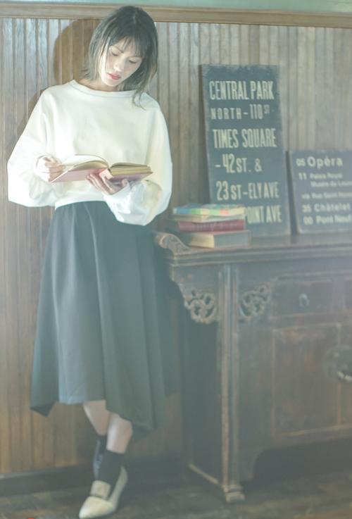 【セットアップ】Mode Relux Asymmetry Dress / ゆったり袖トップスとアシンメトリースカート