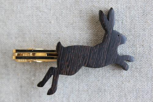 木製ウサギネクタイピン