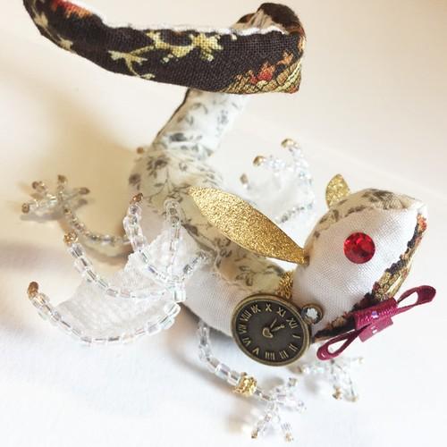 物語の宝石竜 【白うさぎ チョッキ】 〜不思議の国のアリスより〜