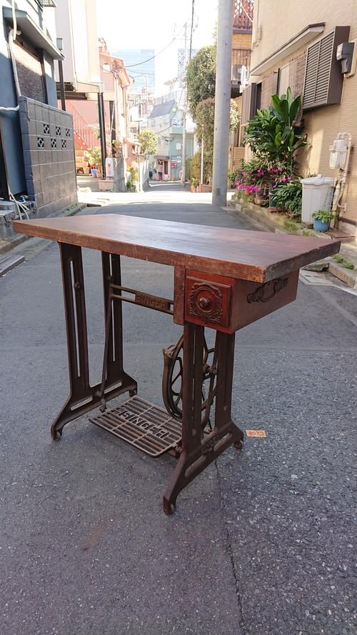 antiqueミシン台リメイクデスク