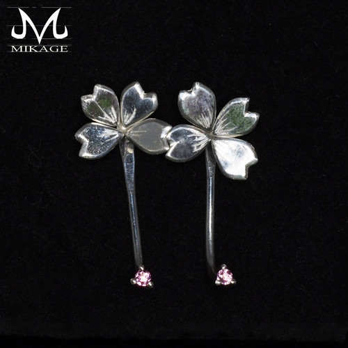 Simply Sakura Pierce:銀925桜ピアス