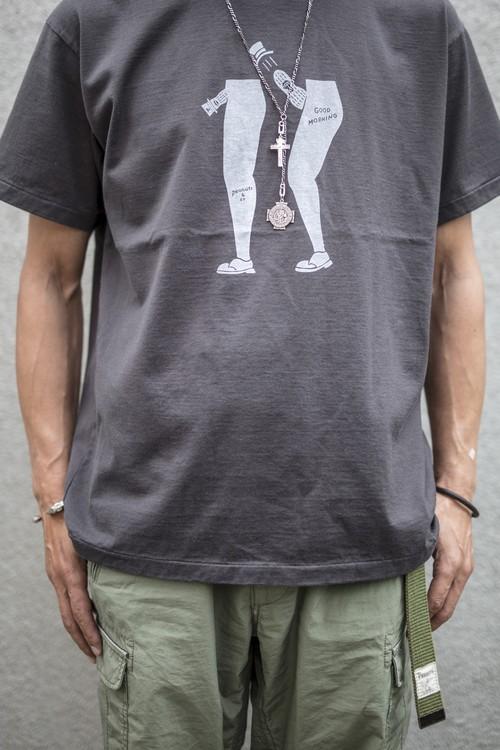 【PEANUTS & Co】ピーナッツ カンパニー GOOD MORNING (MOTAS × Peanuts & Co) コラボレーションTシャツ / ブラック