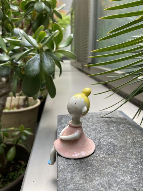 陶器のミレ子(ピンク)