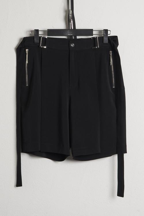 Tuck Burmuda Pants / Black [21SS COLLECTION]