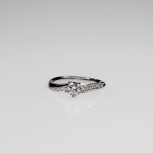 PT900 0.31ctダイヤモンド リング    ●