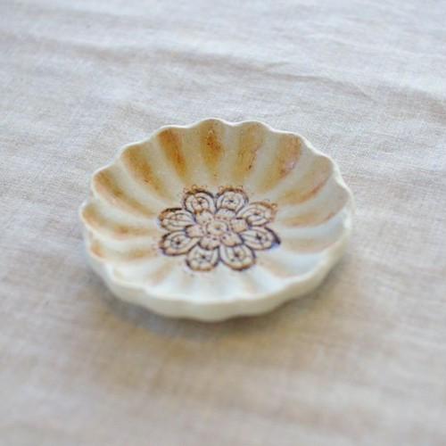 輪花豆皿(バニラ)
