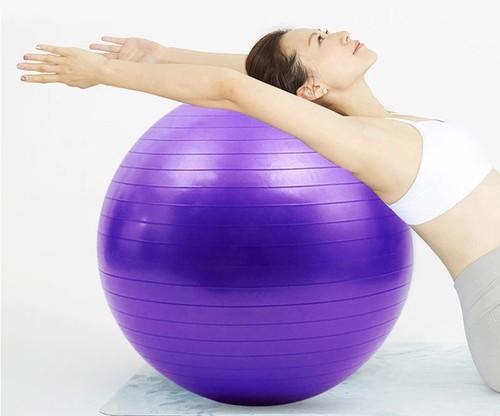 ヨガピラティスボール 運動 体操 フィットネスピラティスボール バランス  · フィットコアボール屋内トレーニング ヨガボール