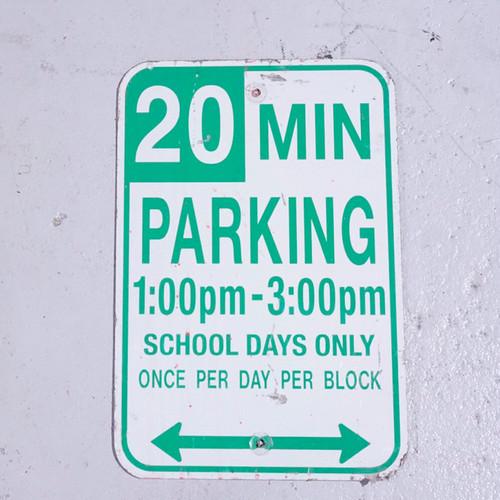 20MIN PARKING アメリカンロードサイン 道路標識