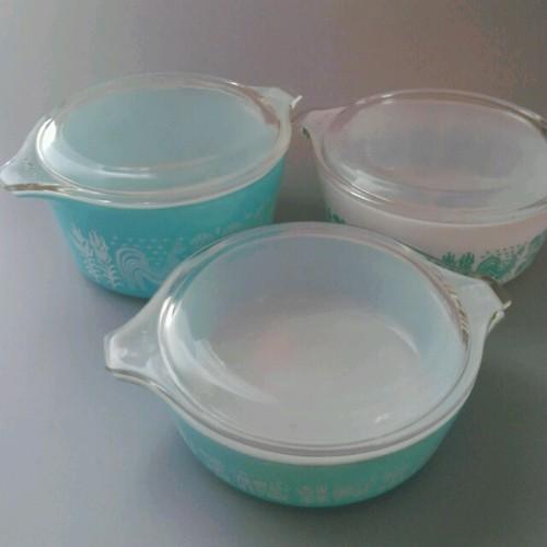 人気!【PYLEX】オールドパイレックス 耐熱ガラスのキャセロール3組セット 【Butterprint(バタープリント)】1950-60年代