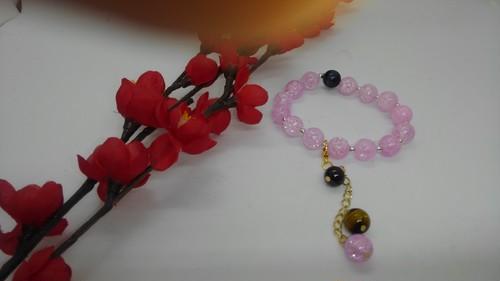 綺麗なピンククラック水晶のブレスレット