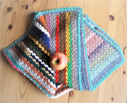 カラフルな手編み大判 ニットブランケット おばあちゃんの編み物 ハンドニット レトロ ヴィンテージ