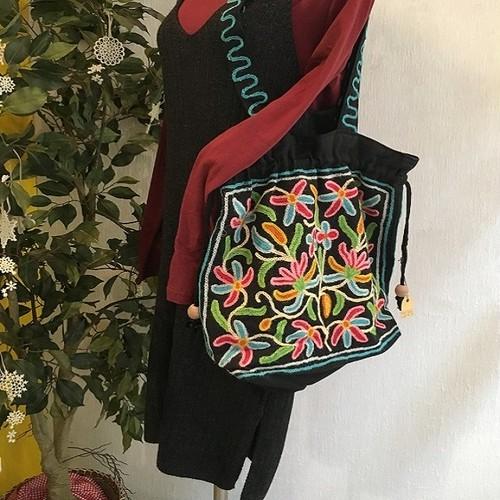 刺繍トートバッグ・ブラックA