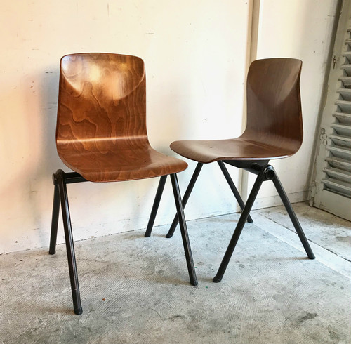 Compass Leg School Stacking Chair オランダ