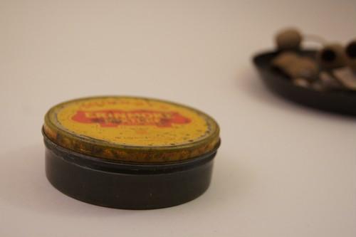 ヴィンテージ缶