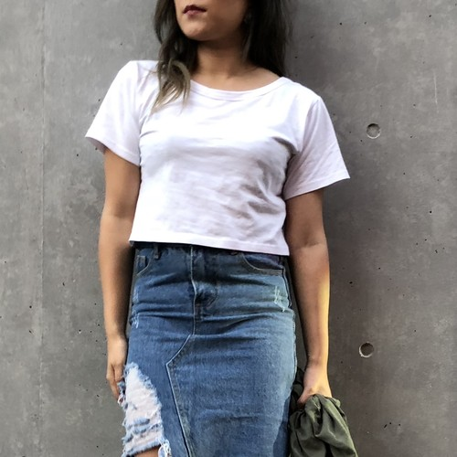 Simple cropped rough T-shirt