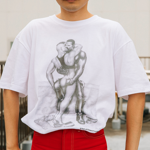 """Tシャツ /TEE """"Yes, I consider my work pornography. Pornography means to stimulate people's sexual feelings, and I'm always very aware of that. My motive is lower than art."""" WEAR YOUR True Colors INVITED ARTISTS BY KLEINSTEIN"""