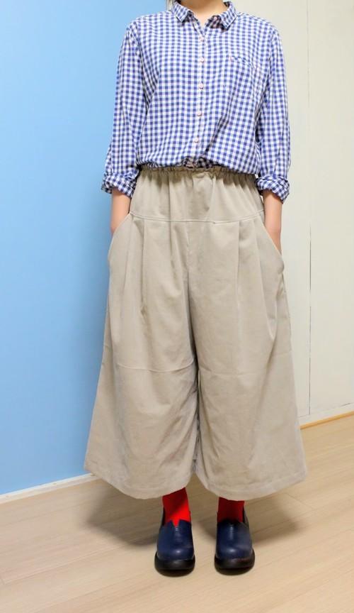 コーデュロイのキュロットスカート マスタードイエローとグレー 秋冬のガウチョ、あったか素材。大きいサイズ M〜LLサイズ シルエットスッキリ