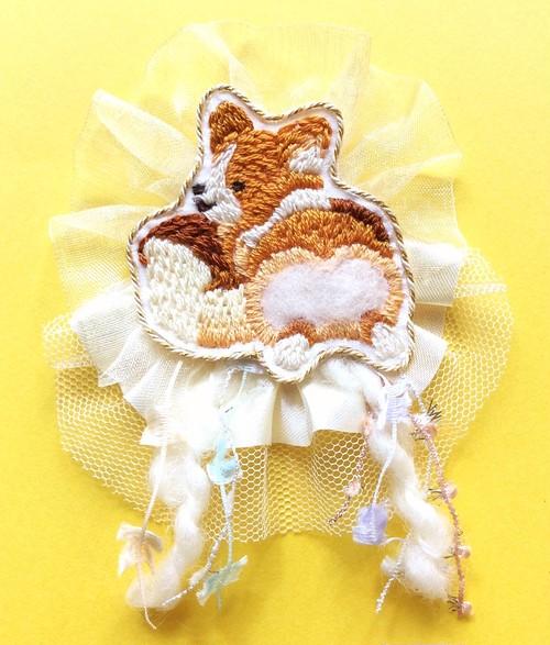 コーギーの食パンおしり 刺繍ブローチ