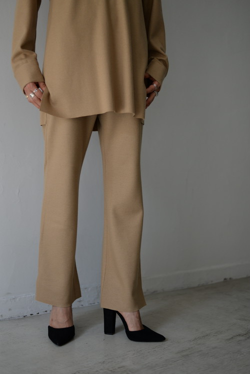 UNDECORATED / S140 WOOL KNIT PANTS (camel)
