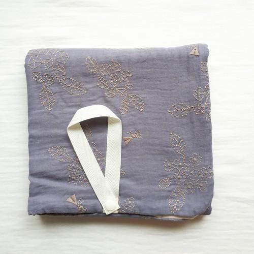 SALE   送料無料 刺繍ブランケット