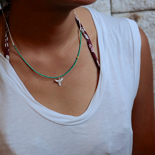 SHARKTEETH NECKLACE -green-