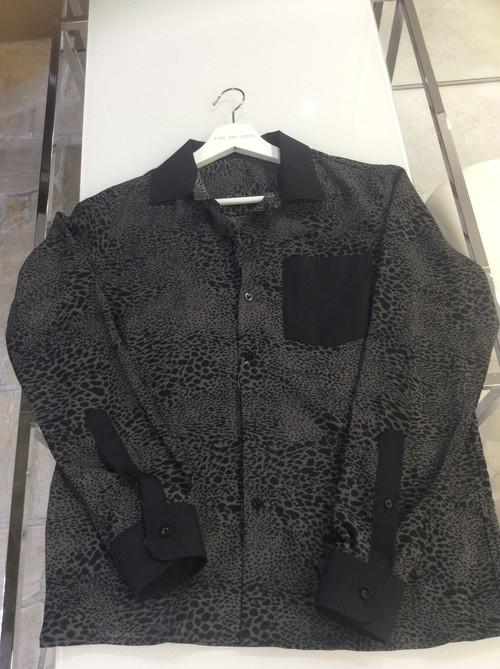 Black Gray Animal Print Blouse Shirt 黒グレーアニマルプリントシャツブラウス NHEPI0120