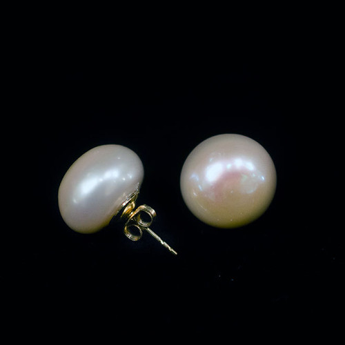 Freshwater pearl  pierced earrings