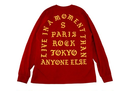 """""""LIVE IN A MOMENT"""" LONG SLEEVE TEE"""