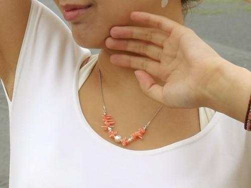 サンゴとパールのネックレス