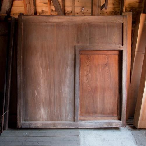 総欅の大型くぐり戸