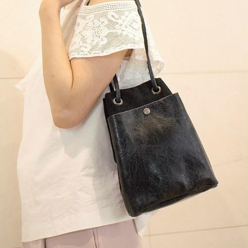 素材遊びが大人可愛い!レザー&イタリアンファブリック・巾着バッグS(ブラック)※送料無料