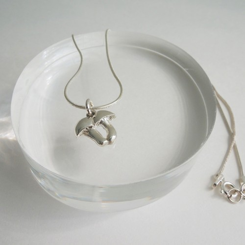 N_009 mushroom necklace