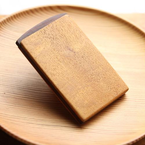 名木で作った名刺入れ(ケヤキ・欅)