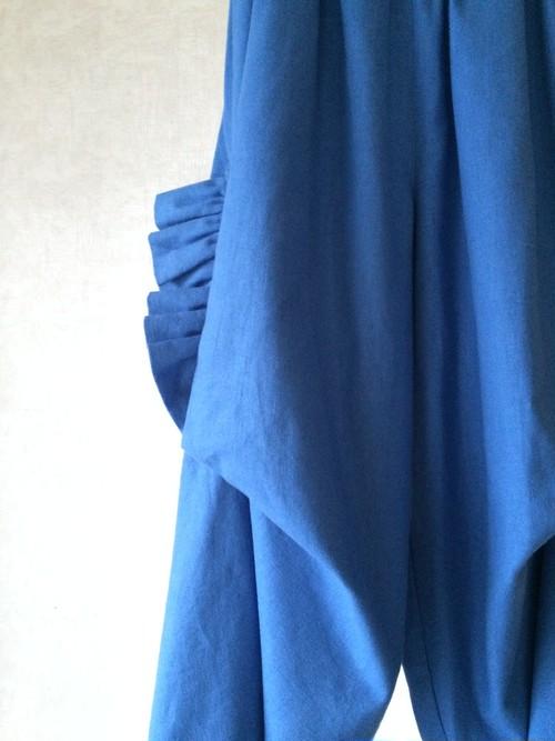 カジュアル ブルー ギャザードレープパンツ