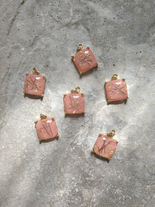 pink square point charm
