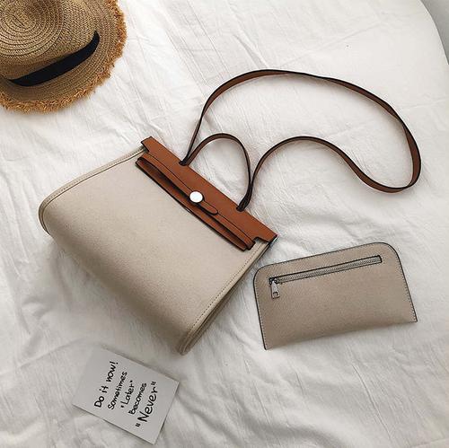 Flap leather handbag フラップ レザー ハンド バッグ