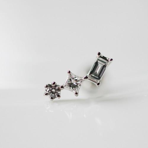 【展示】Pt900 形違いのダイヤモンド 3pc 片耳ピアス