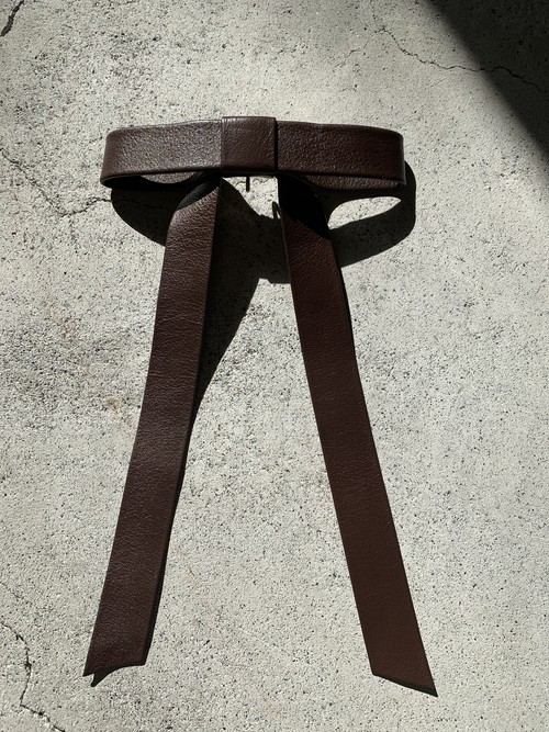 FUMIE=TANAKA long ribbon hook (BROWN)