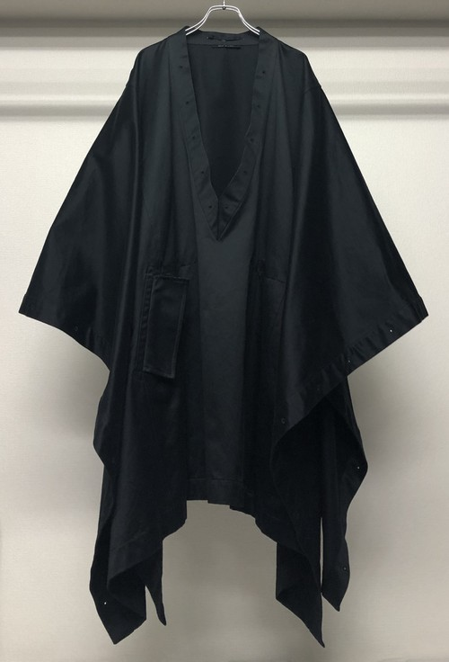 AW2002 GUCCI BY TOM FORD PONCHO