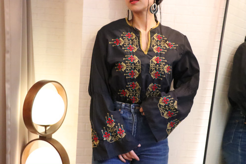 70's Embroidery black blouse